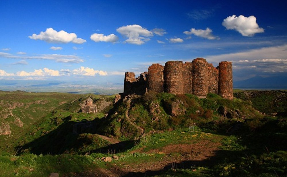 Amberd fortress, Tours in Armenia and Georgia by visitarm.com